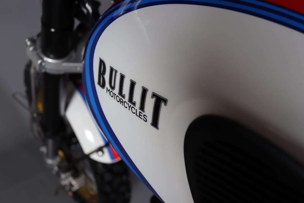 Bullit-Hero-Racing-Blanche